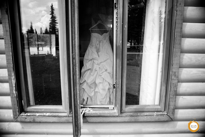 Calgary-wedding-photographer-dress