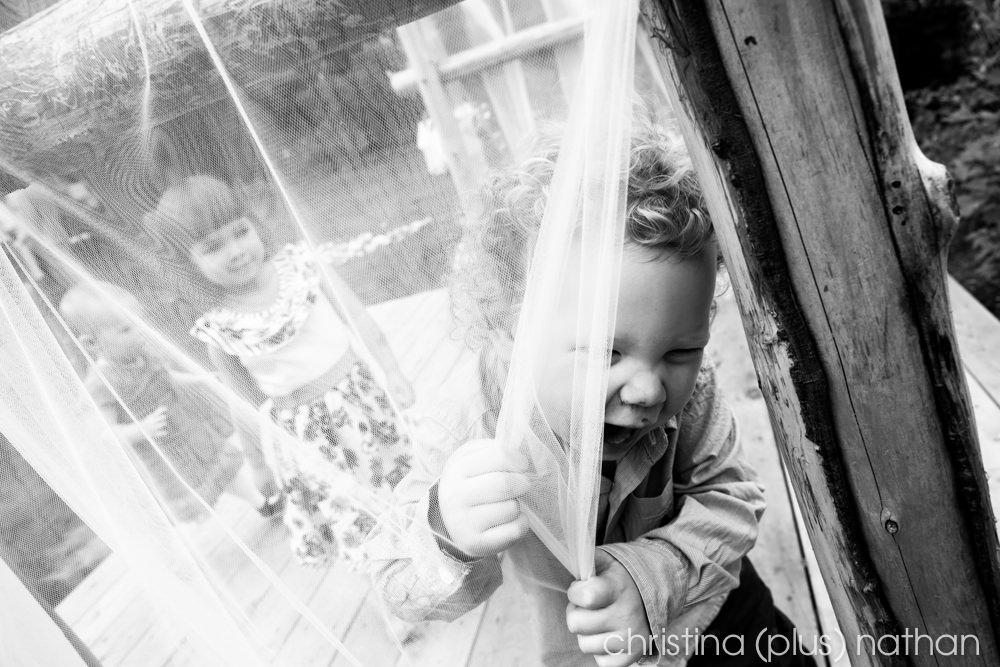 Backyard-calgary-wedding-photography-103