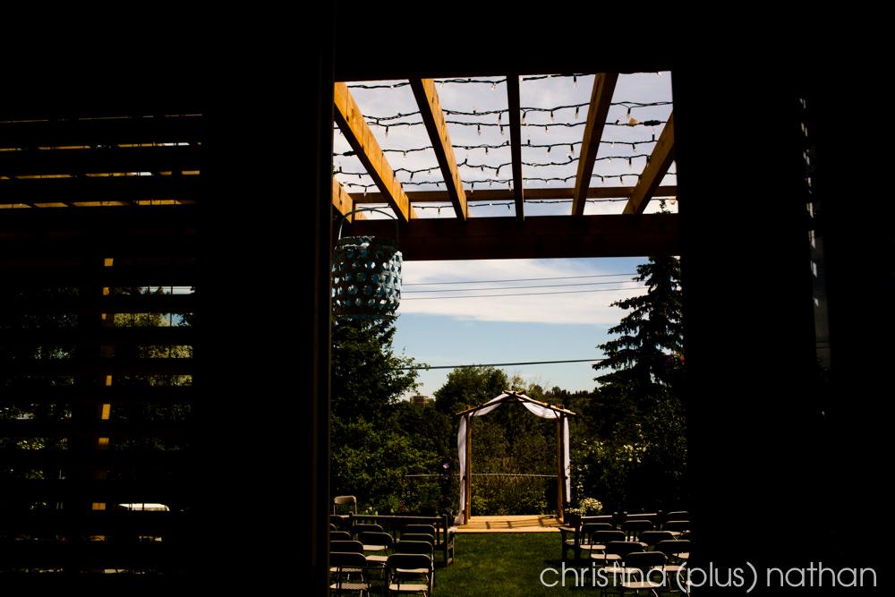 Backyard-calgary-wedding-photography-2