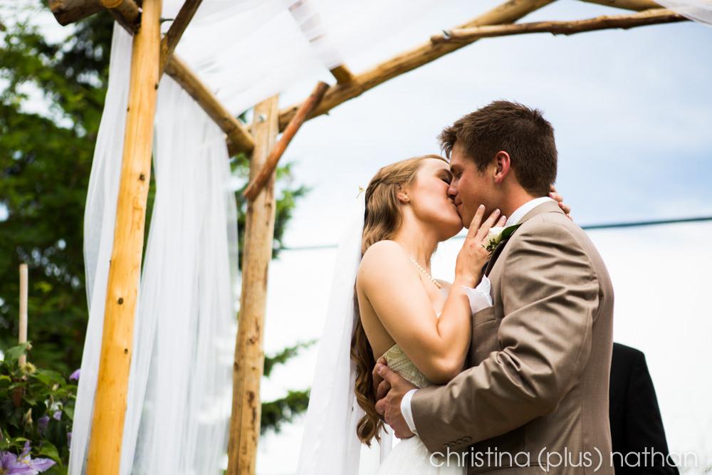 Backyard-calgary-wedding-photography-86