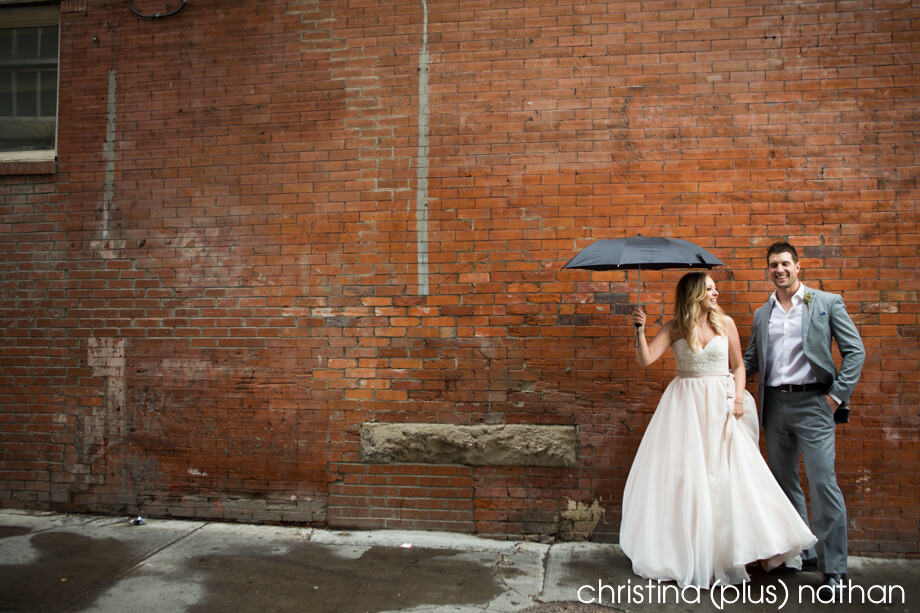 Calgary-rainy-wedding-photos