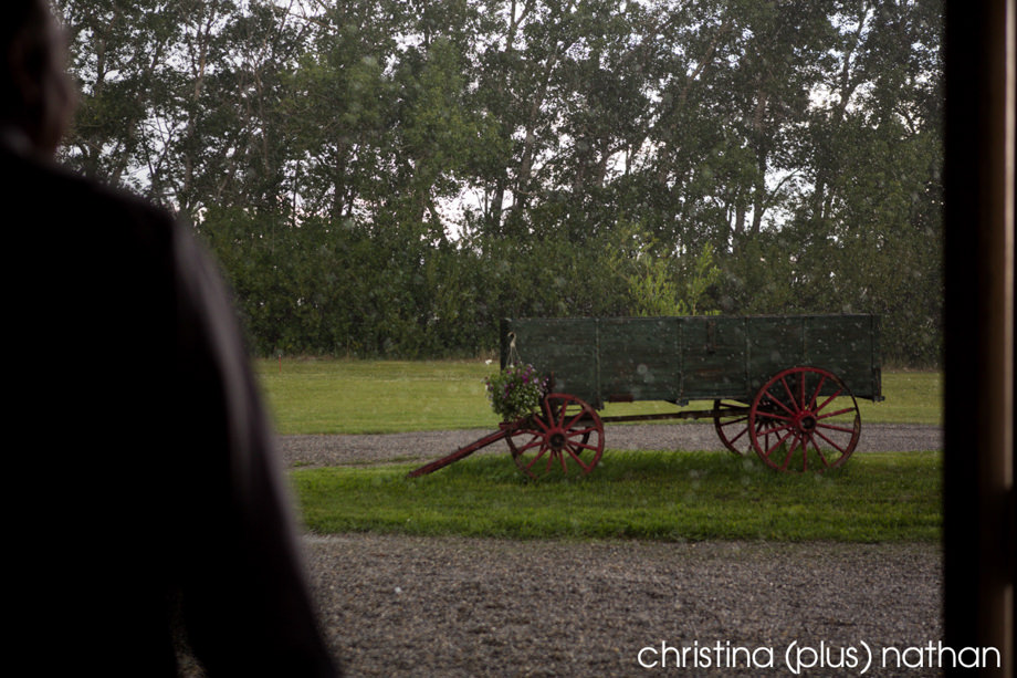 willow-lane-barn-dz-calgary-wedding-photographer-13