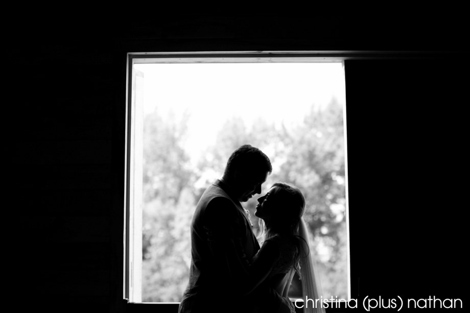 willow-lane-barn-dz-calgary-wedding-photographer-17