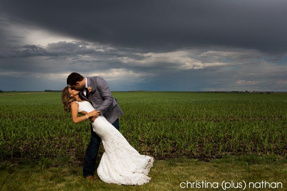 Calgary wedding photogaphers - Barn