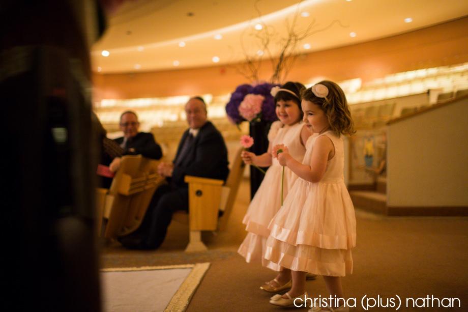 Flower girls at Beth Tzedec Wedding