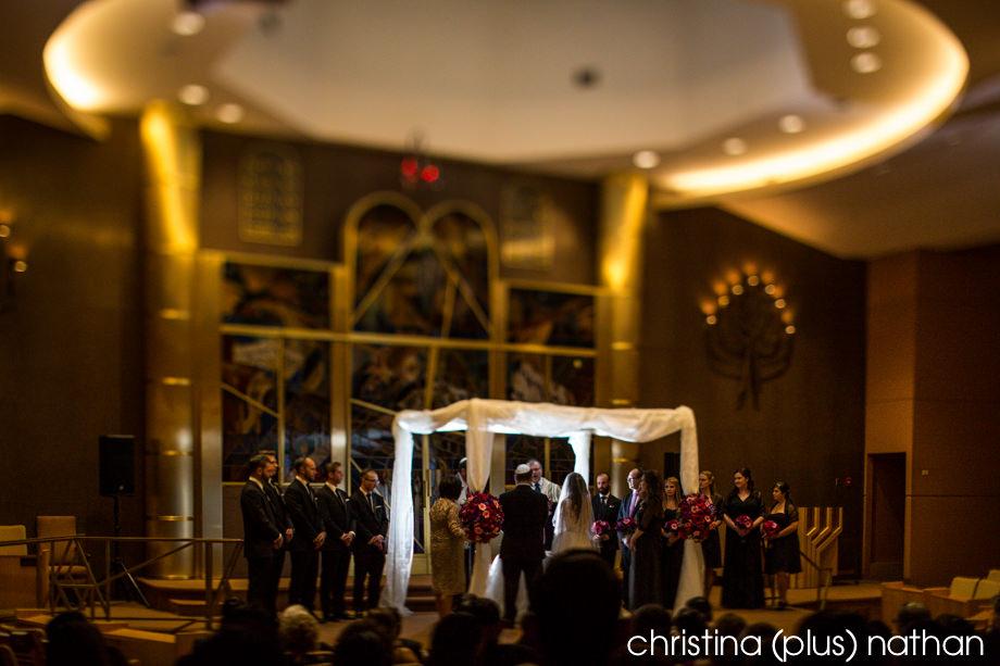 Calgary wedding photographers take photos at Beth Tzedec